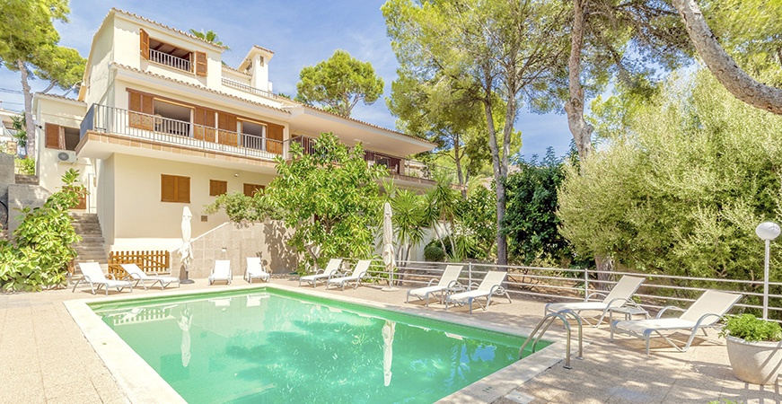 Image for Group holidays in Majorca: Perks of renting a villa